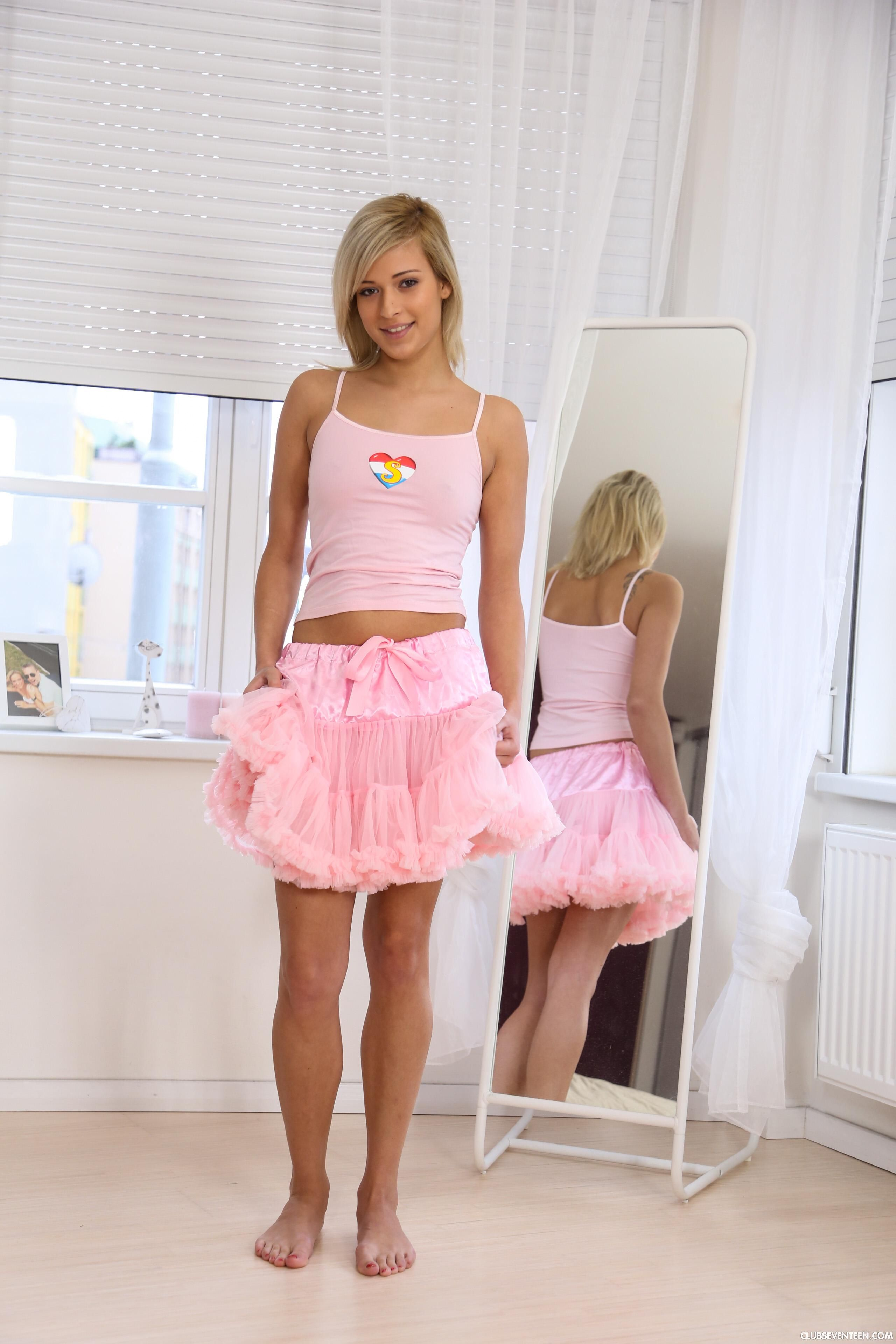 Ballerina Ria Sunn  Fashion, Tulle Skirt, Ballet Skirt-1956