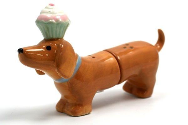 Dachshund and Cupcake - Salt & Pepper Shaker