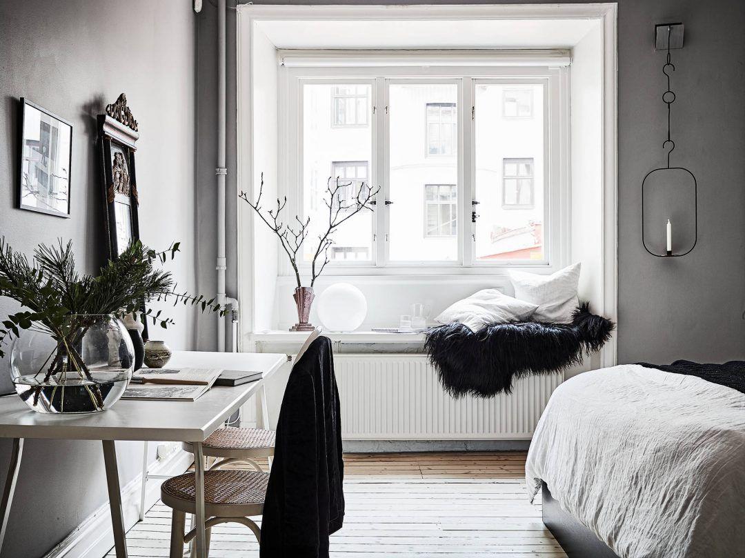 Sal n n rdico puertas dobles blancas paredes grises y carpinter a blanca look total white todo - Decoracion paredes blancas ...