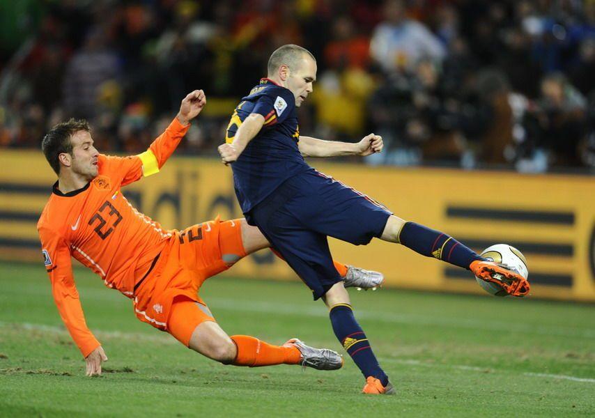 Andres Iniesta Marcando El Gol Contra Holanda Que Daba El Triunfo A Espana En La Final Del Mundial De Sudafri Copa Do Mundo Gol Contra Michael Steele