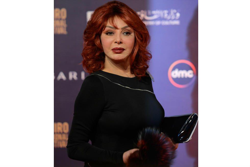 لم أتحمل ألم عصب الأسنان نبيلة عبيد توضح سبب غيابها عن جنازة محمود ياسين Style Fashion 80s