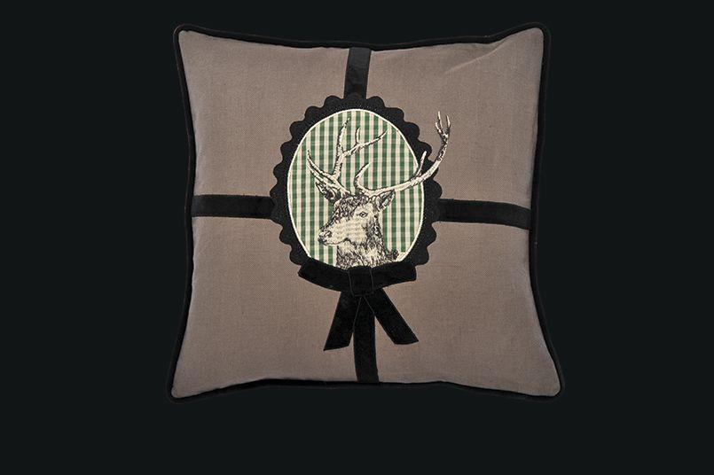 Alcuni modelli di cuscini da montagna per decorare i vostri ambienti.