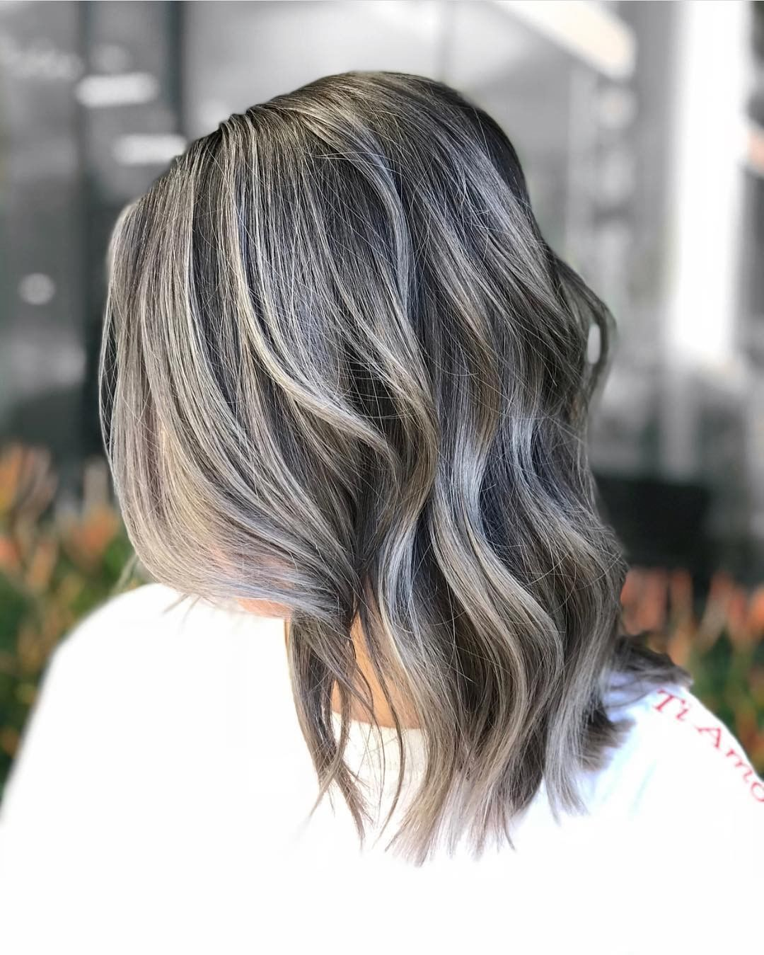 Grey Hair Isn T Just For Old Ladies Any More This Gorgeous Silvery Hair Color Is Everything And Grey Hair Styles For Women Natural Gray Hair Long Thin Hair