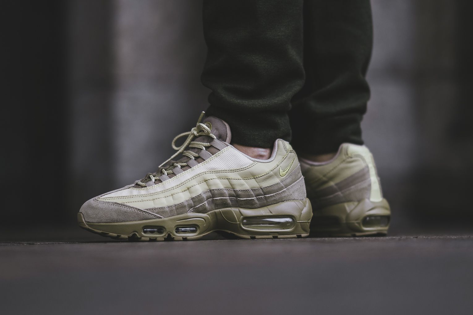 Here's An On-Feet Look At The Nike Air Max 95 Premium Khaki Team •  KicksOnFire.com