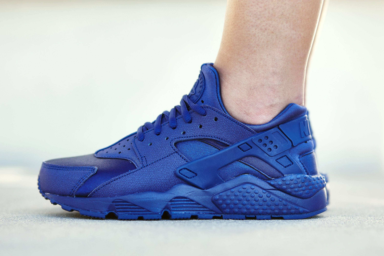 "Nike Air Huarache ""Loyal Blue"" On-Foot Look"