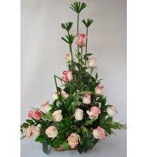 Arreglo floral con Rosas Bicolor en Piramide
