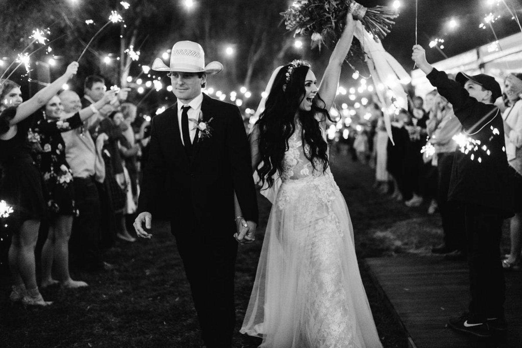 Josh Vicki S Glam Cattle Station Wedding Nouba Com Au Bush Wedding Country Wedding Wedding