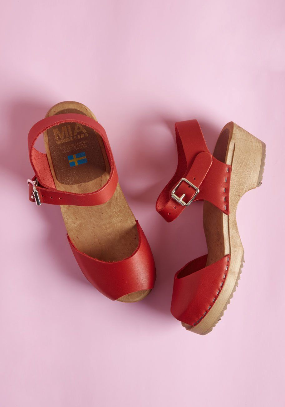 Skansen Strut Leather Clog in Red - From open-air museums to all-day  events e136bea021d