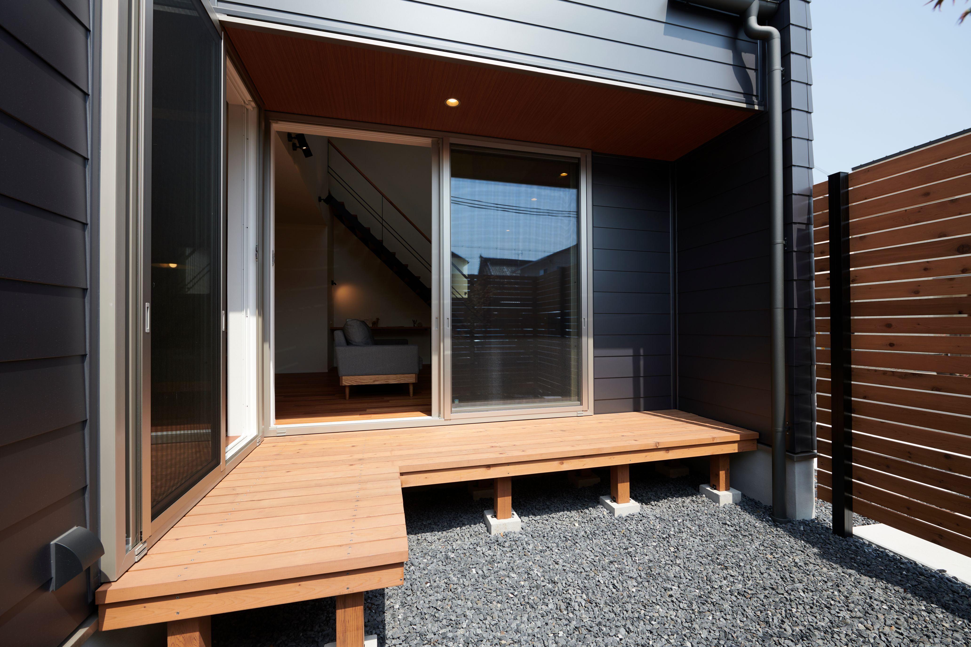 日当たり抜群のl字型ウッドデッキ ルポハウス 設計事務所 工務店