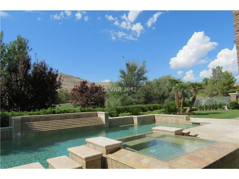 Real Estate For Sale Network Cool swimming pools, Cool