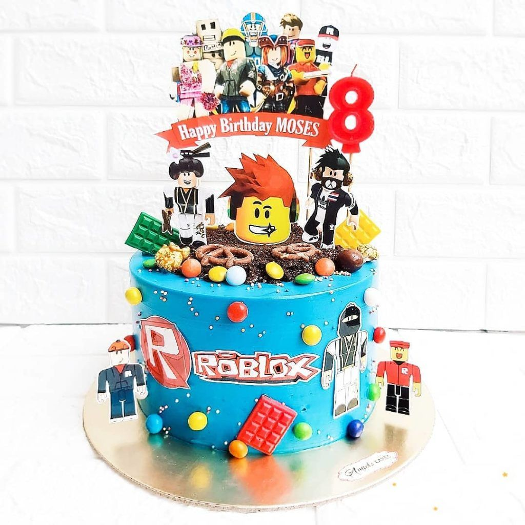 Roblox Birthday Cake Ideas Girl 27 Best Roblox Cake Ideas For Boys Girls These Are Pretty Cool In 2020 Roblox Cake Roblox Birthday Cake 7th Birthday Cakes