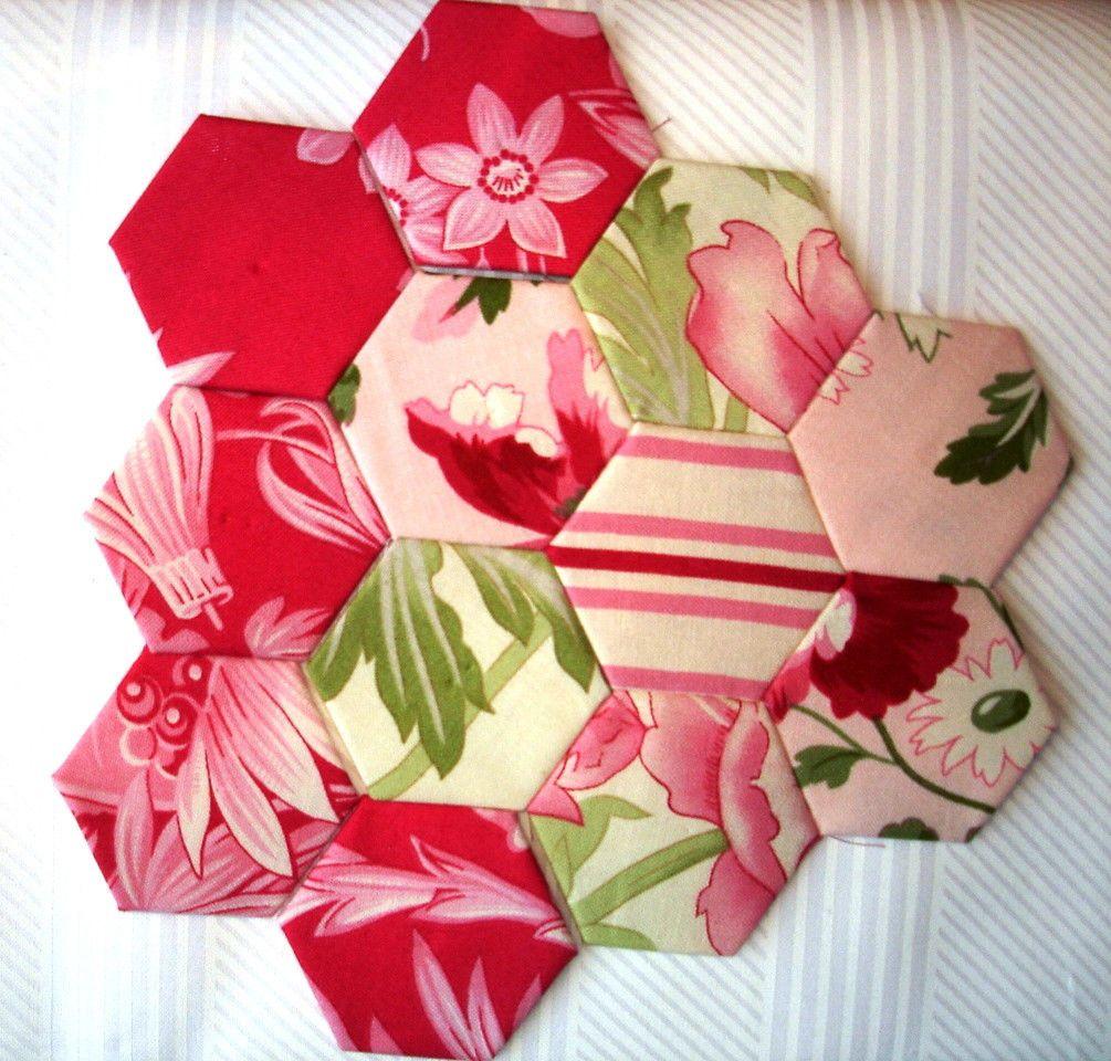 Plastic hexagon english paper piecing templates grandmothers flower plastic hexagon english paper piecing templates grandmothers flower garden ebay maxwellsz