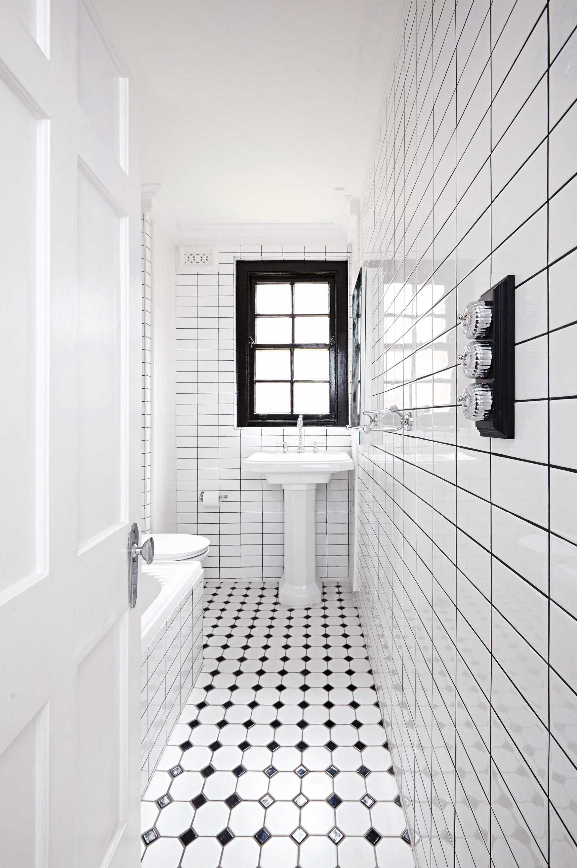 black and white bathroom renovation apr15 En suite