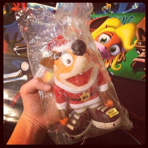 Crash Bandicoot Christmas.Crash Bandicoot Dressed Up As Santa For Christmas Olivia