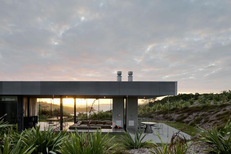 Super modern island retreat house by Fearon Hay Architects and Penny Hay - via www.murraymitchell.com
