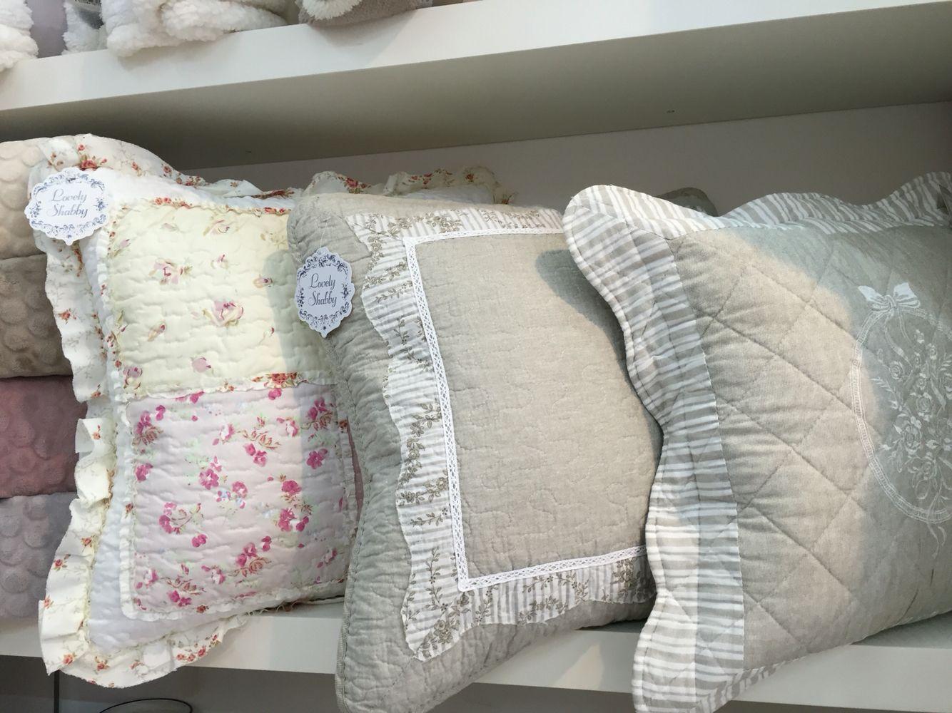 Cuscini shabby chic da camera da letto bed pillows throw pillows e - Divano letto shabby chic ...