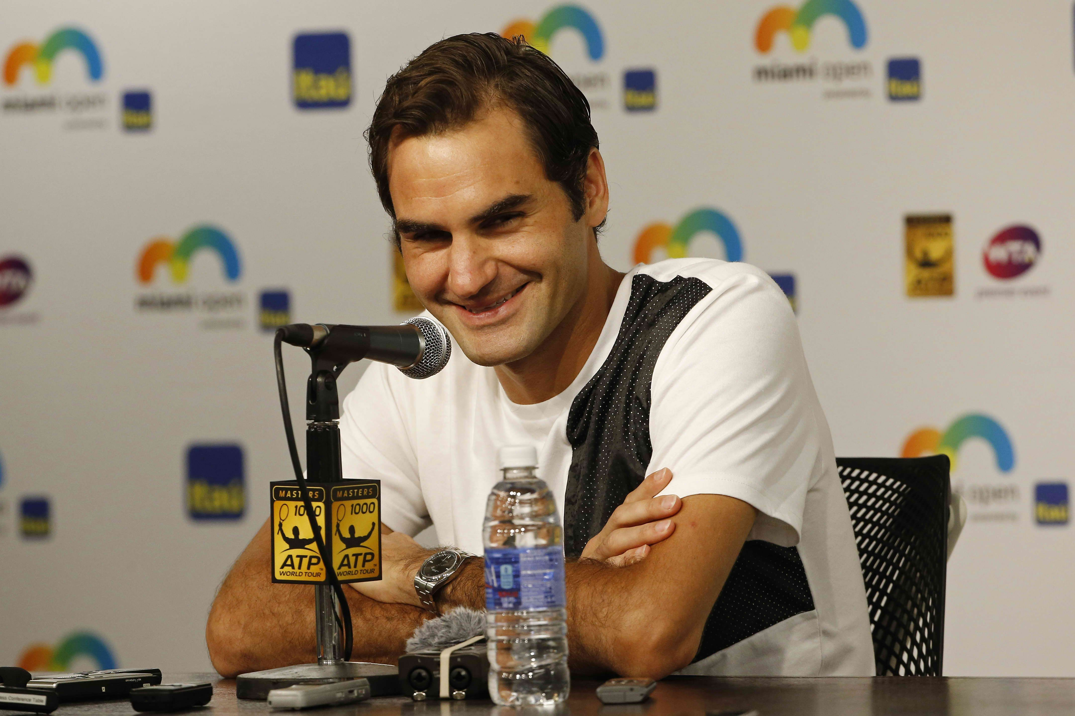 Roger Federer hurts back during practice in Madrid, sets sight on Italian Open - http://www.sportsrageous.com/tennis/roger-federer-hurts-back-practice-madrid-sets-sight-italian-open/19897/