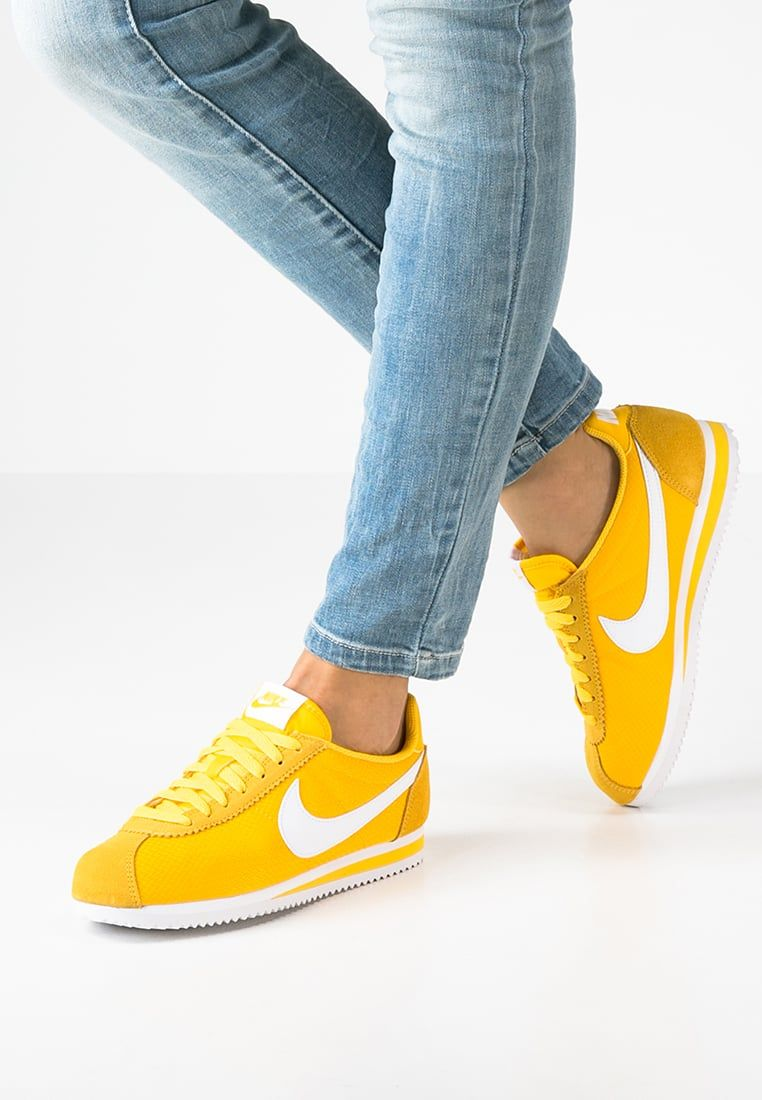 detailed look a6456 334b9 ... czech classic cortez baskets basses varsity maize white. chaussures  jaunesnike femmelivraisongratuitchaussures e01cc 500d3