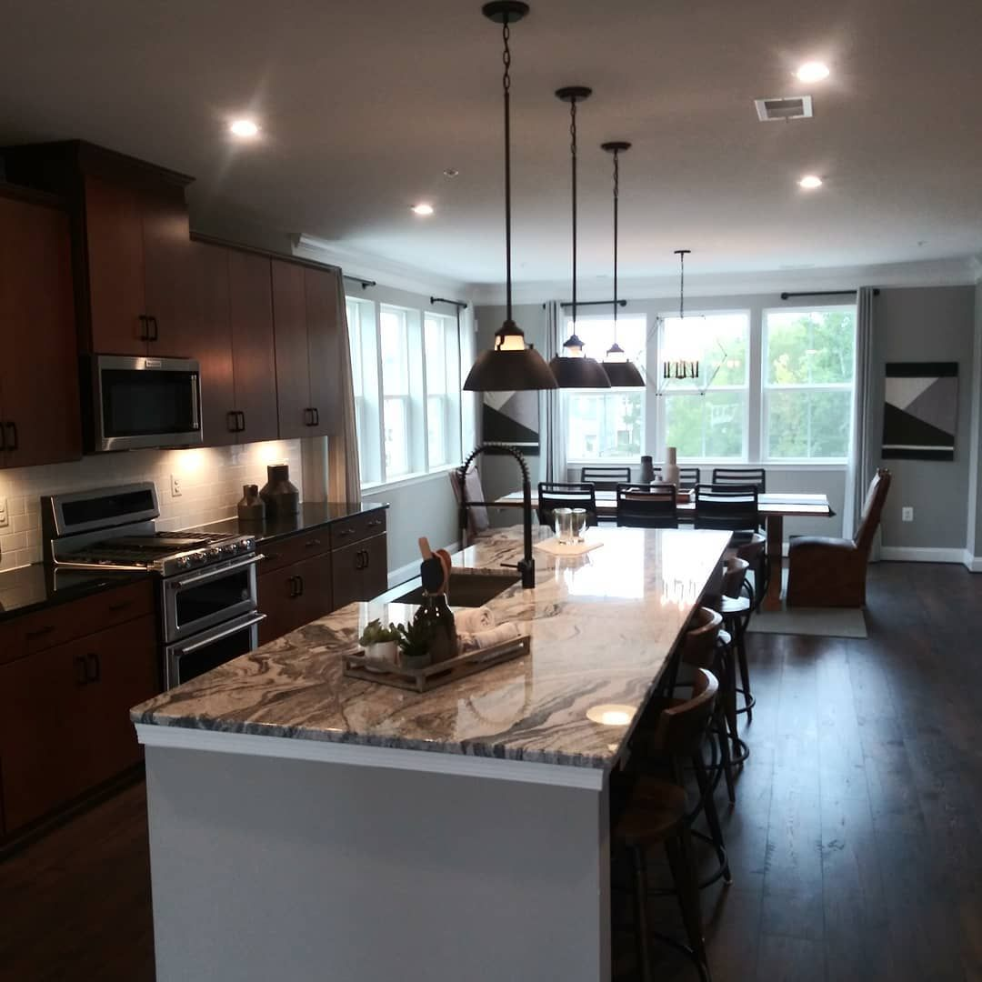 True I don't like working on Sunday's but I enjoy what I do, so it's really not work. My client loved this home and so did I!! . . . @jermainelovehomes  @jermainelovehomes . . . . .