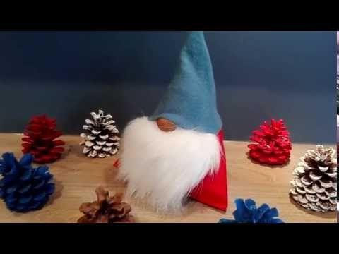 wichtel weihnachtsmann nikolaus basteln aus stoff fleecedecke kunstfell und walnuss. Black Bedroom Furniture Sets. Home Design Ideas