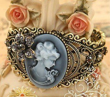 24 pcs/lot free shipping 2011 new fashion vintage antique brass cameo Mary alloy bangles bracelets with crystal