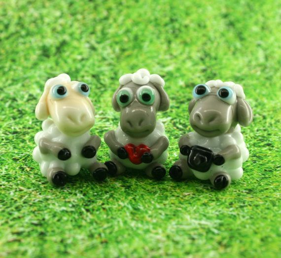 Sheep Lampwork sculpture / miniature / figurine by Myhappyhobby on Etsu