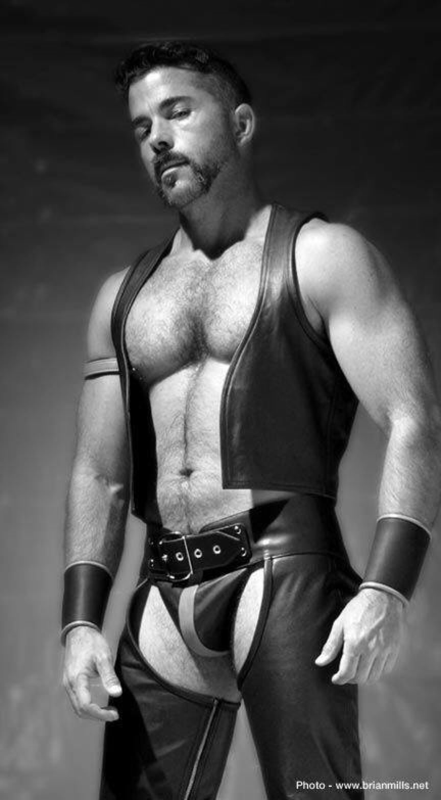 MEN-IN-LEATHER | stern108:   I'll take three!
