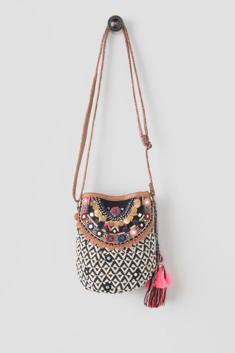 The cute Alena Mini Bucket Bag is all you need for your next music festival! 6f694d377d