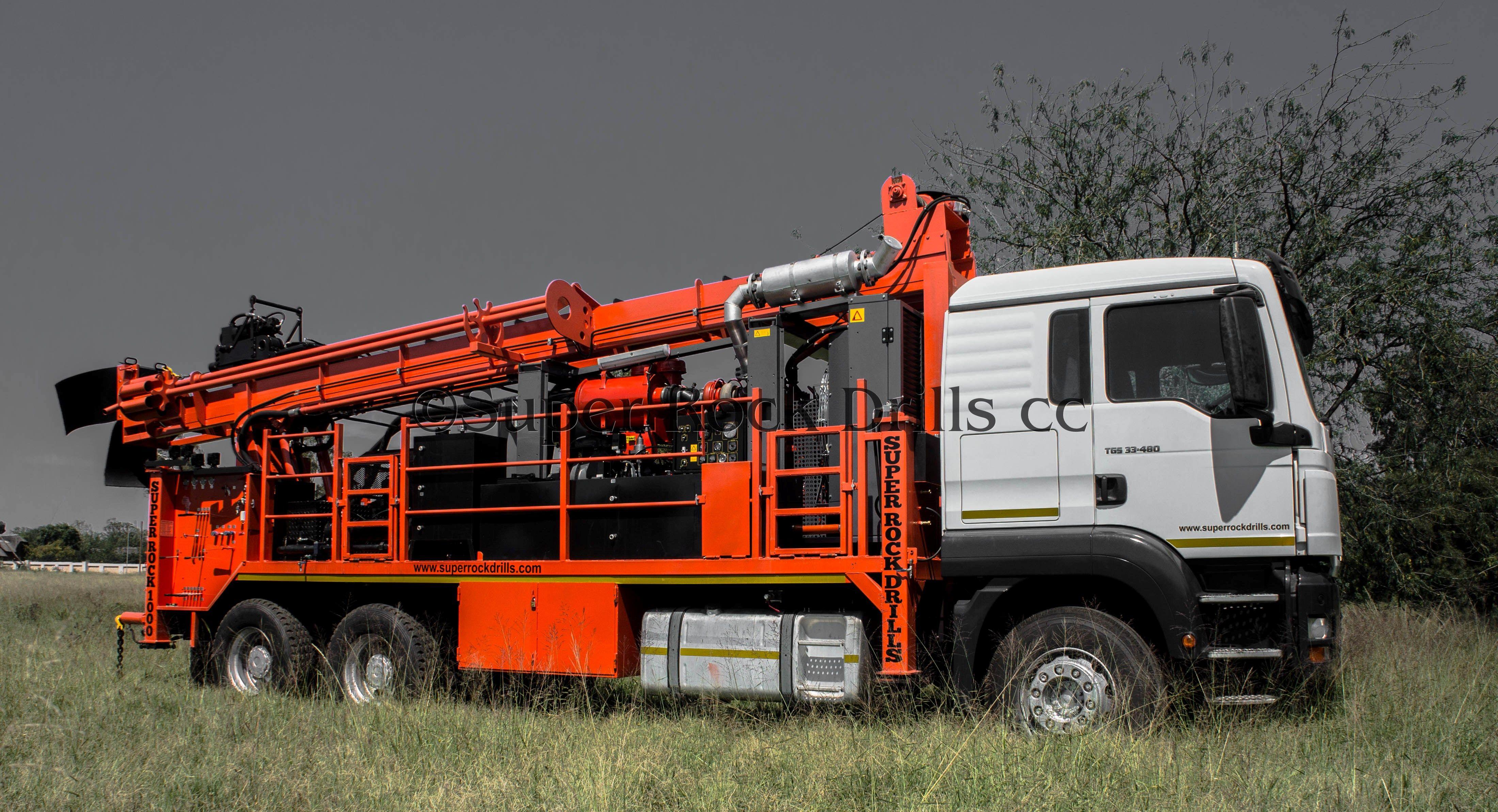 A SR1000 Waterwell rig c/w Atlas Copco onboard compressor