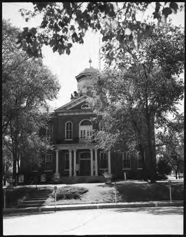 Lincoln County Courthouse, Troy, Missouri  [State Historical Society