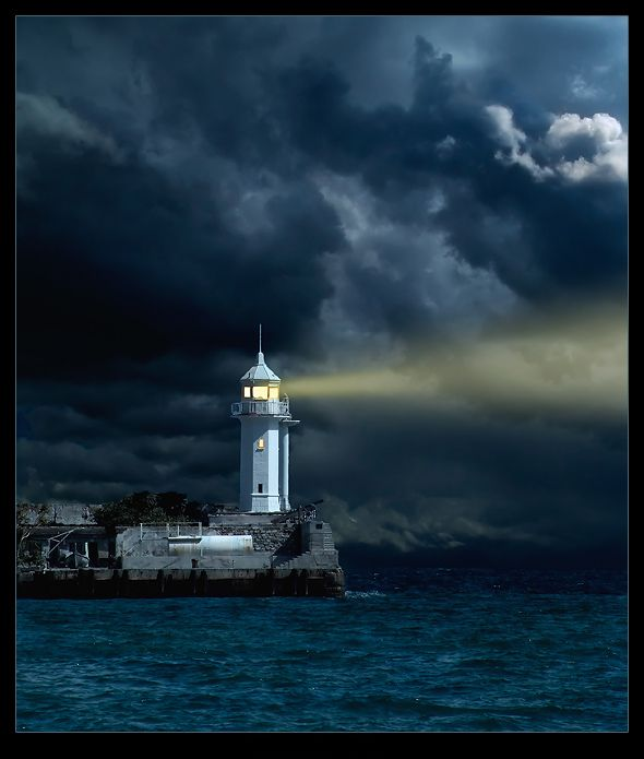 Paintings of Lighthouses at night | Lighthouse Paintings At