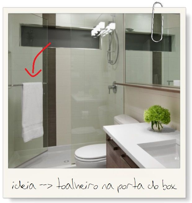 Toalheiro na porta do box  Contemporary BathroomsContemporary Bathroom  AccessoriesModern  Dica pr tica para decora o de banheiro pequeno   Kitchens and House. Porta Bathroom Fittings. Home Design Ideas