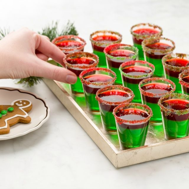 33 Holiday Jell-O Shots That Will Hype Up The Whole Party