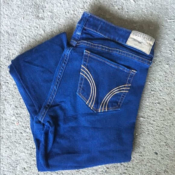 Hollister skinny jeans Dark wash hollister skinny jeans size 9/8   No holes or stains. No trades. Bundle for discounts!  Or shoot me an offer!! Hollister Pants Skinny