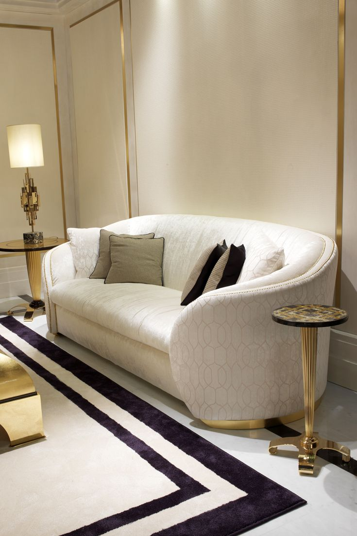 The Design Of This Exquisite Sofa Would Suit Both A Clic Or Contemporary Interior Perfect In Any Setting 3 Seater High End Modern Designer Italian