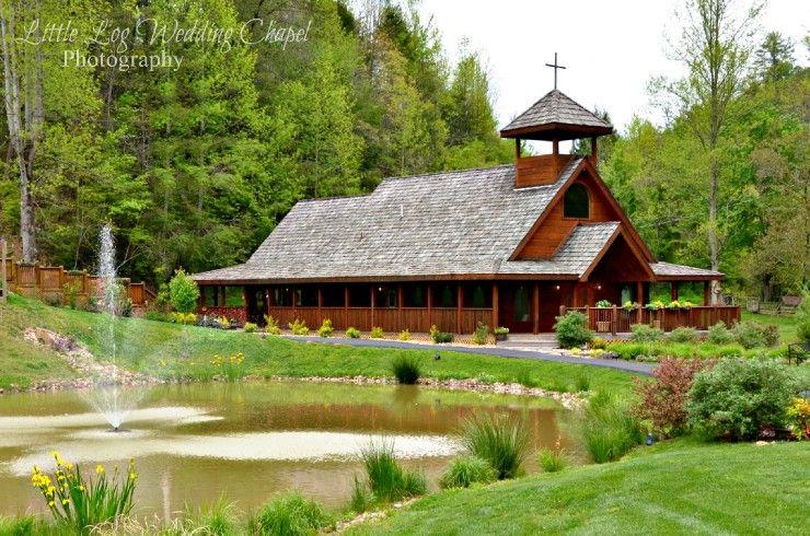 Gatlinburg S Little Log Wedding Chapel Lil Wedding Chapel