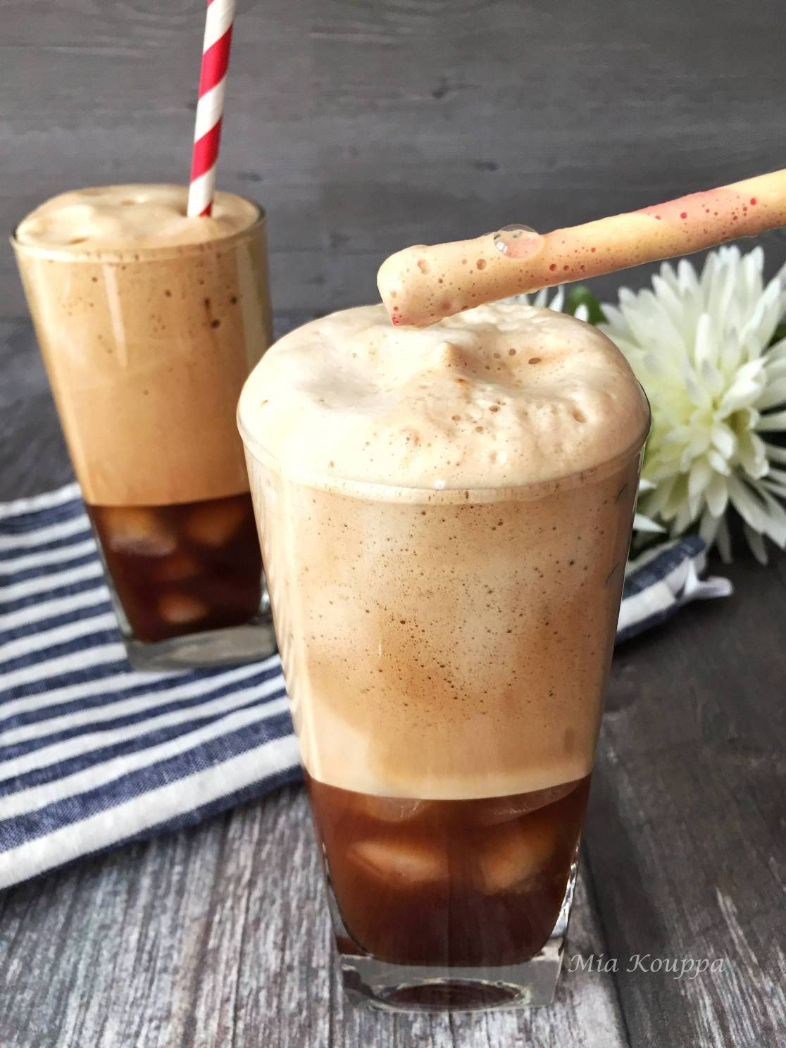Frappe recipe: how to make cold Greek coffee 2