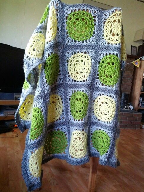 Let the Sun Shine throw by coldfloral on Ravelry. Free pattern by Red Heart  http://www.redheart.com/free-patterns/let-sun-shine-throw