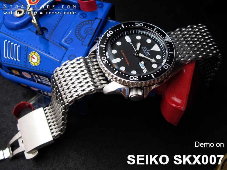 five 316l stainless steel watch band are demo on seiko skx007 five 316l stainless steel watch band are demo on seiko skx007 diver s watch