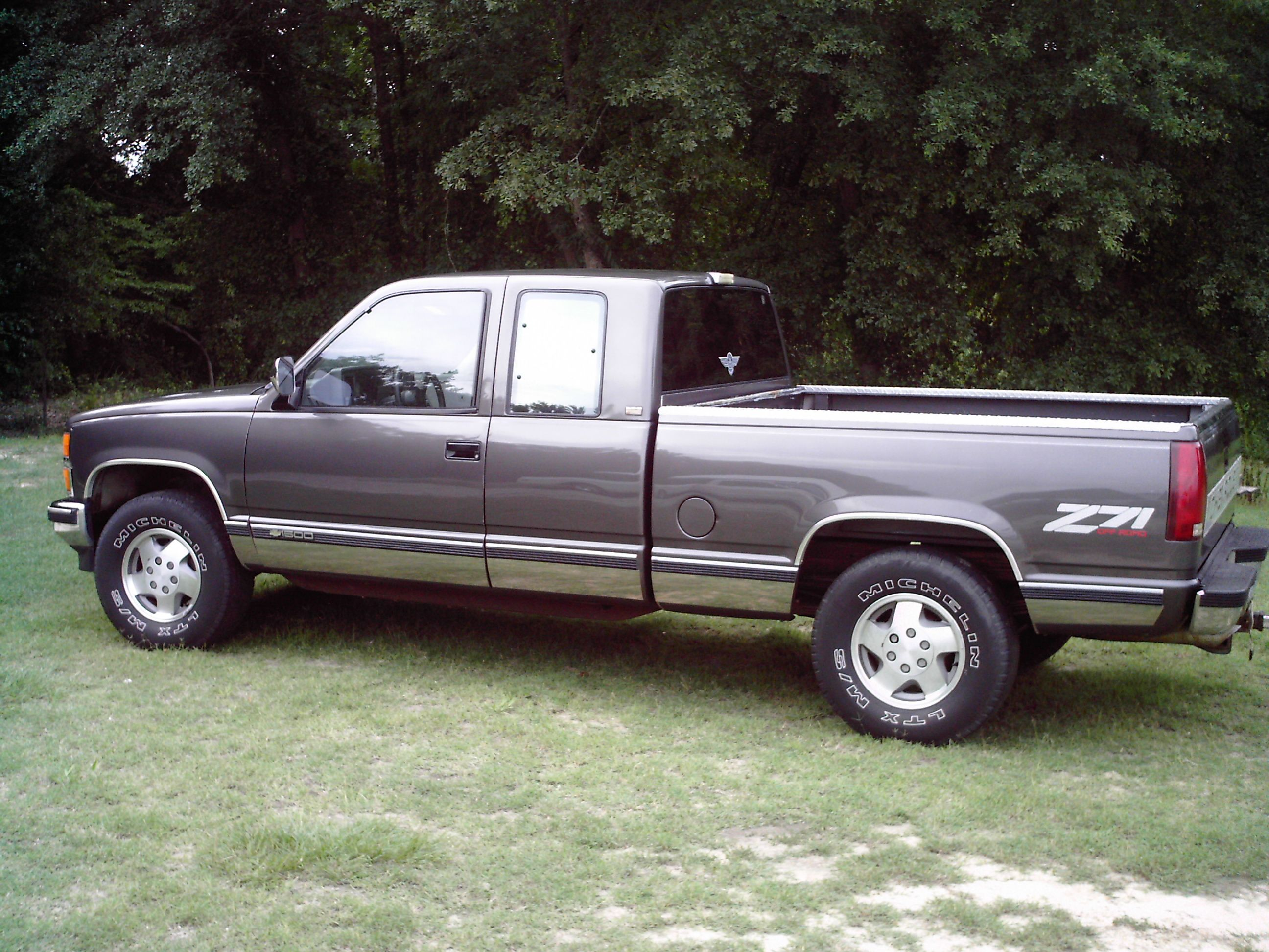grey 1992 z71 chevy this was my daddy s ol truck i wish we still had it i want a truck just like this one but jacked up n with some big  [ 2592 x 1944 Pixel ]