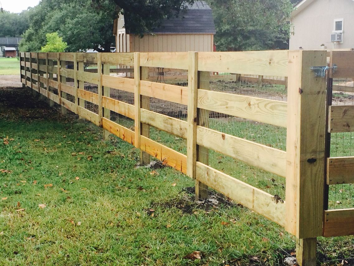 4 Rail Ranch Fence Ranch Fencing Ranch Style Fence
