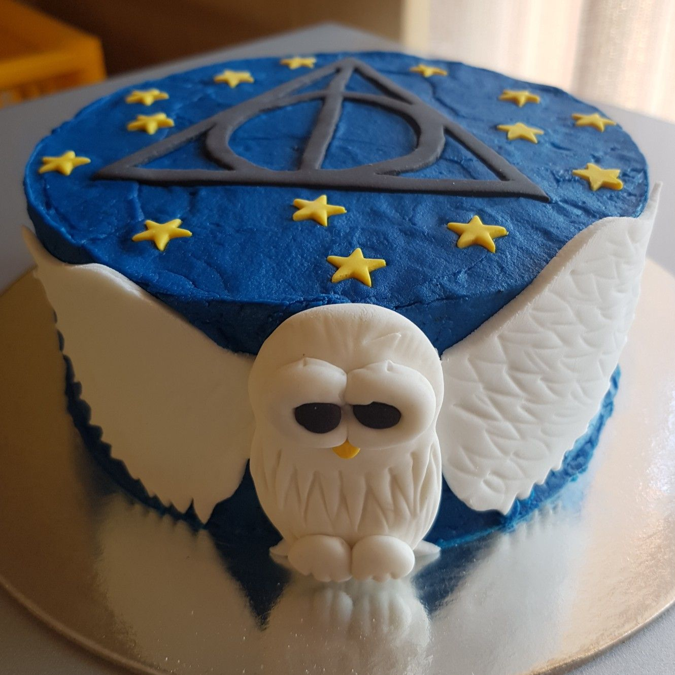 Harry Potter Themed Buttercream Cake With 2d Fondant Hedwig Owl