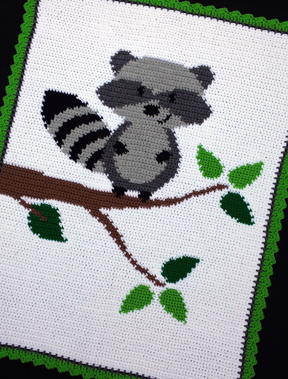 Crochet Patterns - Raccoon In A Tree Woodland/Forest Baby Afghan ...