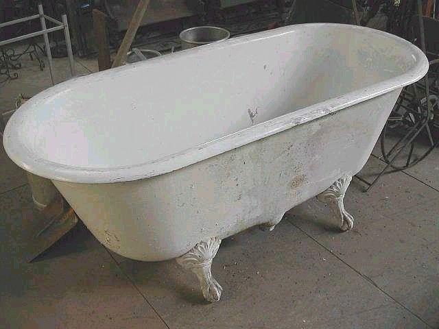 Baignoire En Fonte Lavabo Et Sanitaires Antiquites