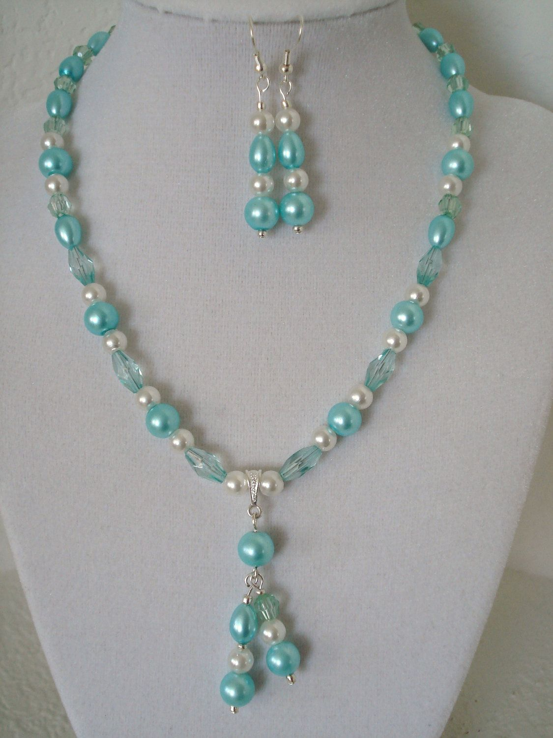 Beaded pendant necklace and earring set handmade beaded for Custom made jewelry stores