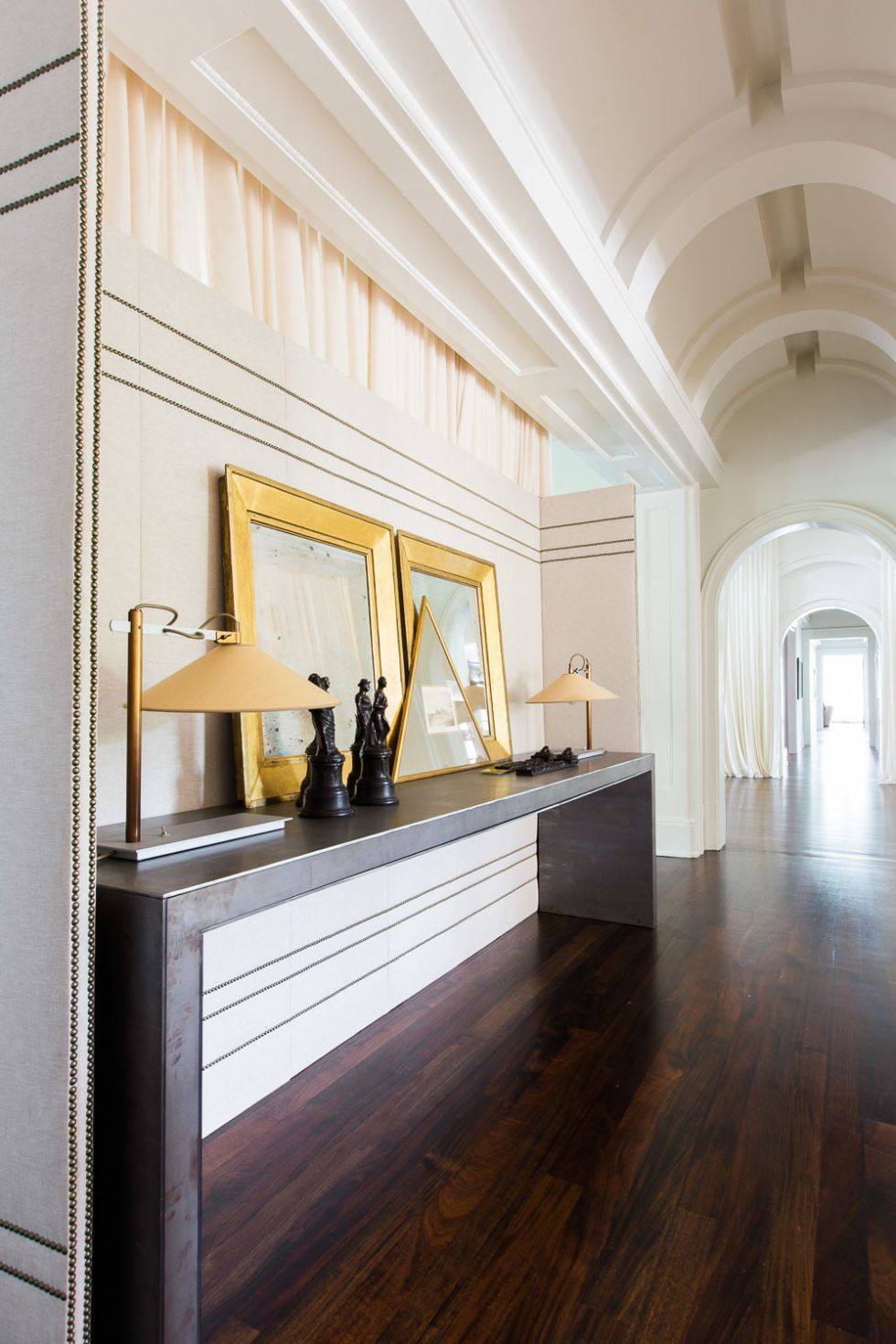 HOUSE TOUR: A Nashville Mansion Gets A Thoroughly Modern ...