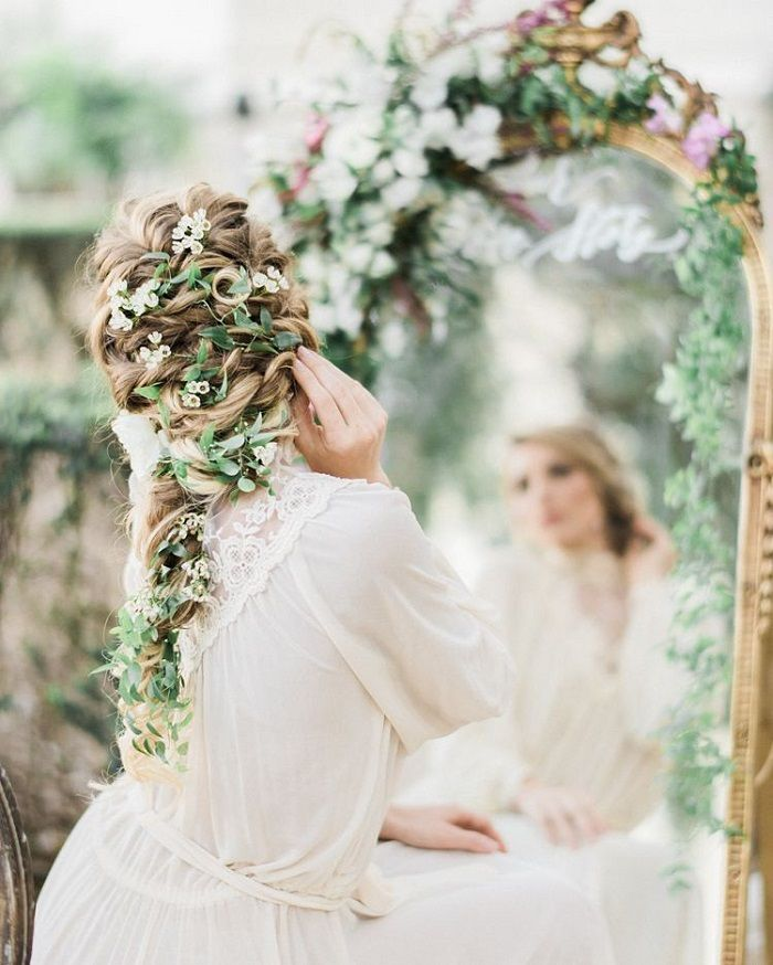 32 Wedding hairstyles for long hair that are perfect for Bride and Bridesmaids