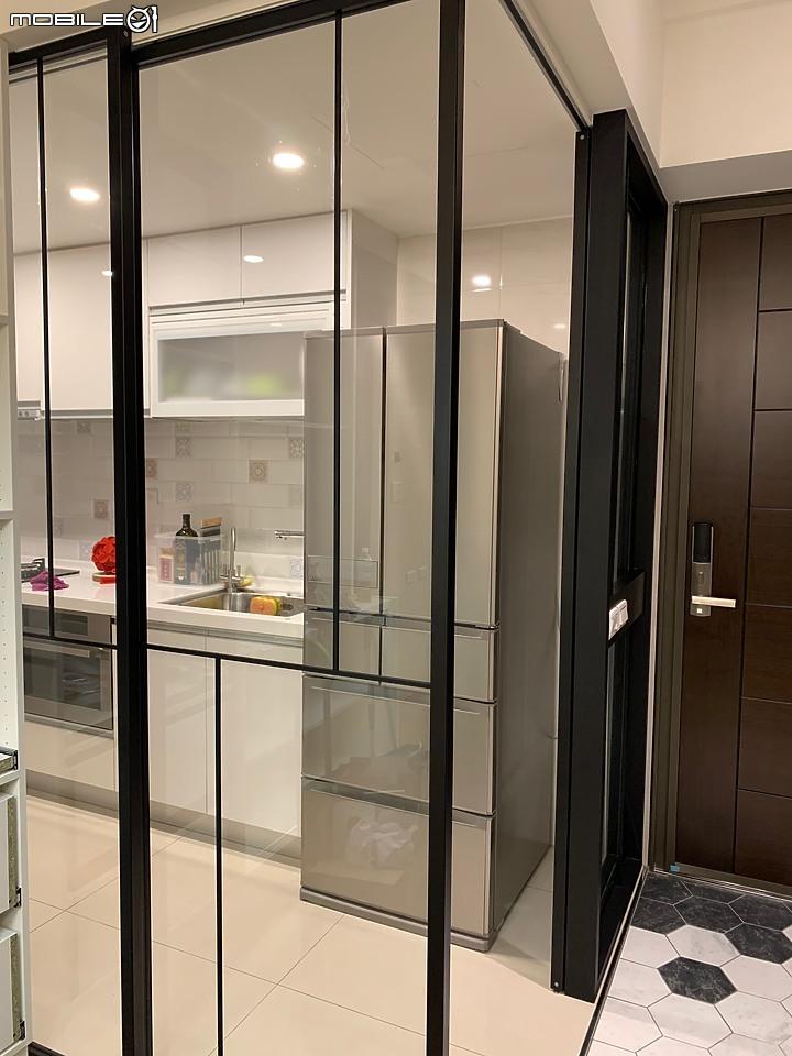 開箱 新竹 拼湊出一個家 Mobile01 客廳 廚房 玄關 拉門 六角磚 玻璃in 2020 Home Decor Room Divider Decor