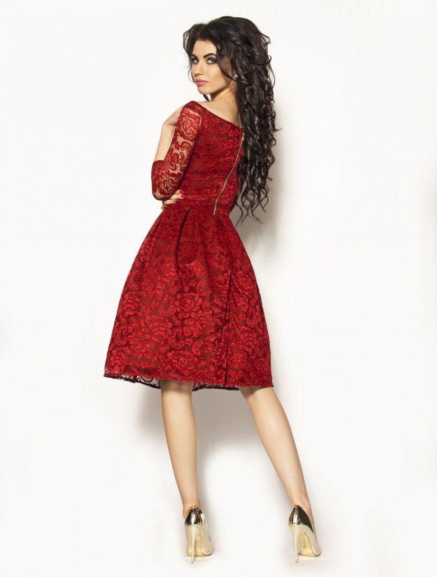 0c7b661a51 Czerwona sukienka za kolano koronkowa Model  MOR-2206  255.00zł  - Midi