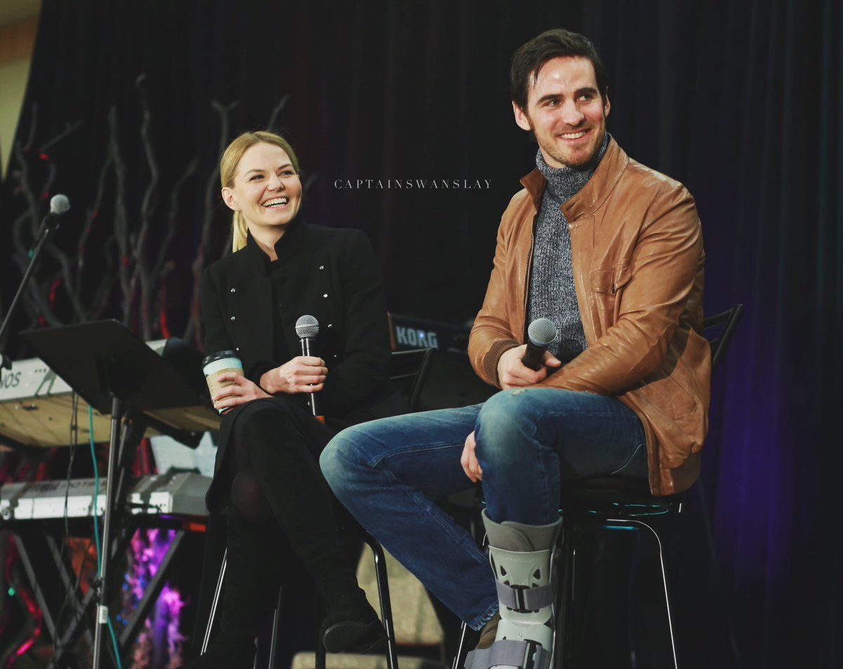 Colin O'Donoghue -Killian Jones - Captain Hook and Co Star Jennifer Morrison - Emma Swan on Once Upon A Time OUATVAN: ONCE UPON A TIME's #CAPTAINSWAN on Vancouver Stage 25-03-2017